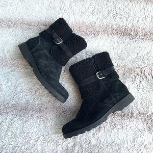 Ugg Size 8.5 Black Suede Blazer II Shearling Boots